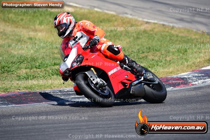 Latest Photos: Champions Ride Day Winton 22 11 2015